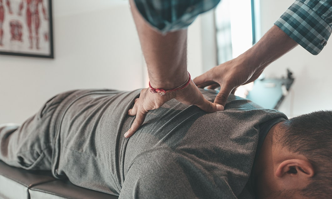 Pain Free Chiropractor Spine Assessment - South Surrey Chiro