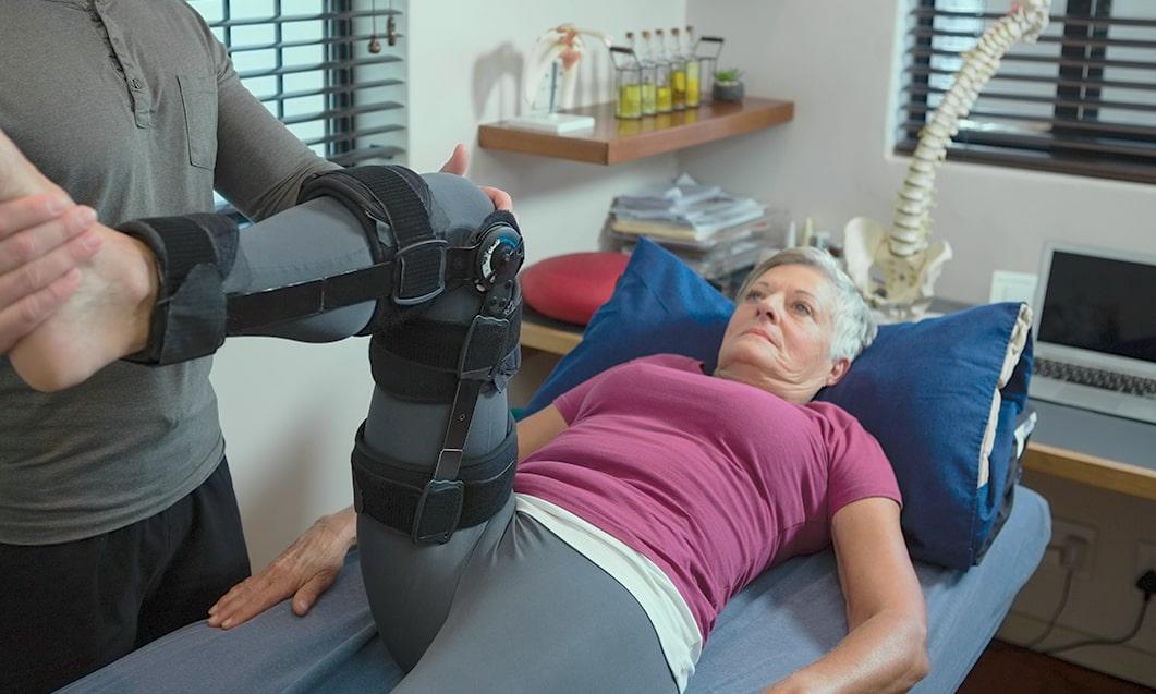 geriatric therapy knee treatment